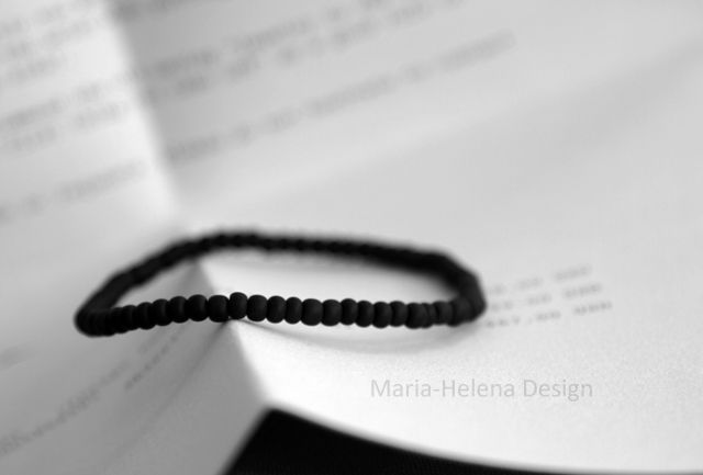Matte black bracelet for men // Maria-Helena Design.
