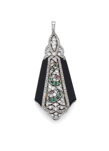 An Art Deco Pendant
