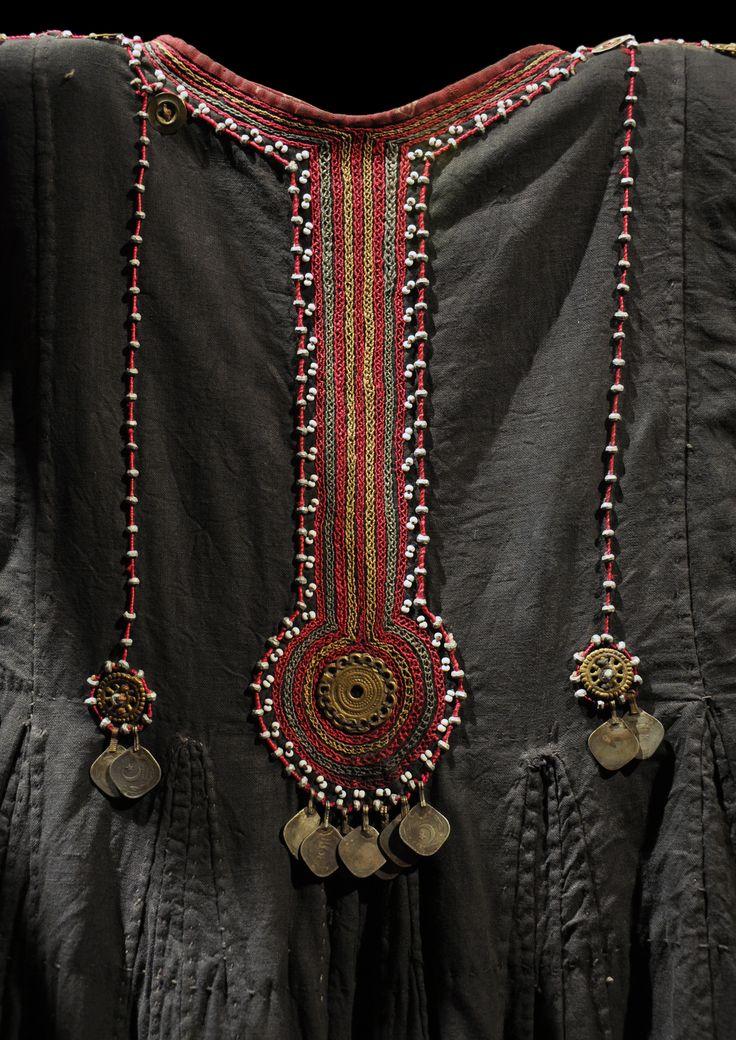 Musée_du_Quai_Branly_Robe_Pakistan_04032012.jpg (1941×2745)