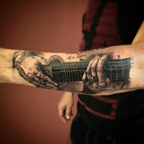 Tatuaje guitarra