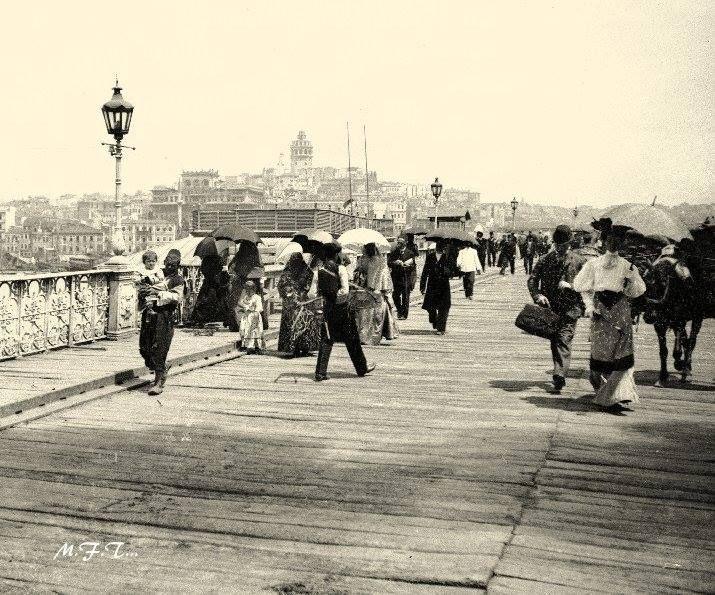 Galata köprüsü ahşap iken