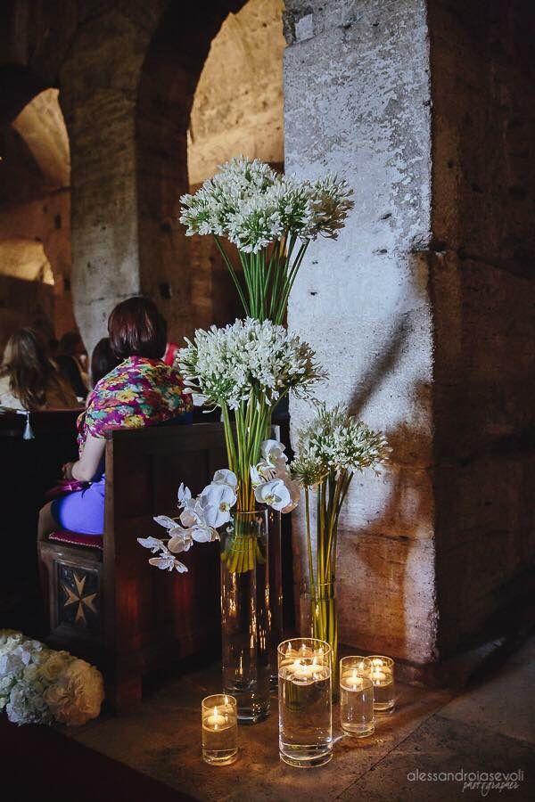 Addobbo chiesa Roma #church #chiese #addobbifloreali #flowerarrangement #wedding #weddingday #weddingidea #federicaambrosinifloraldesign