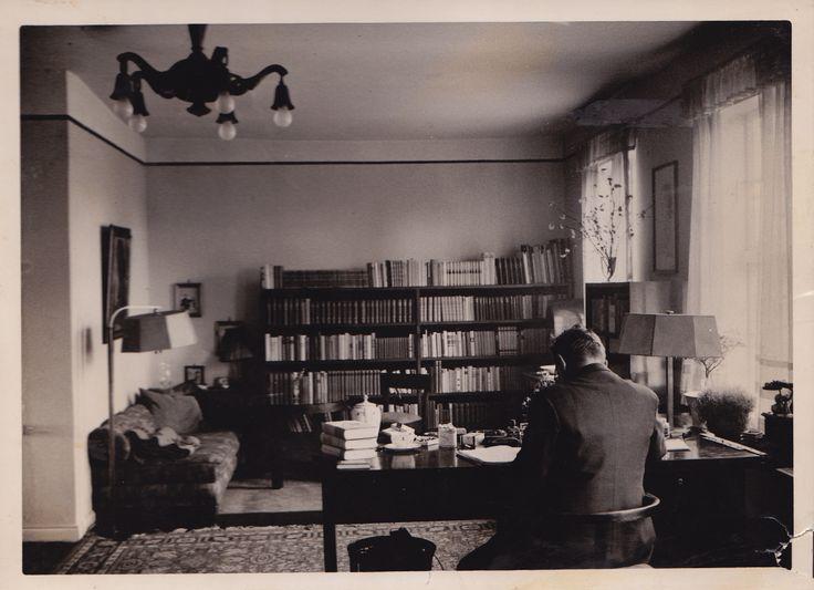 Hans Fallada en su estudio.