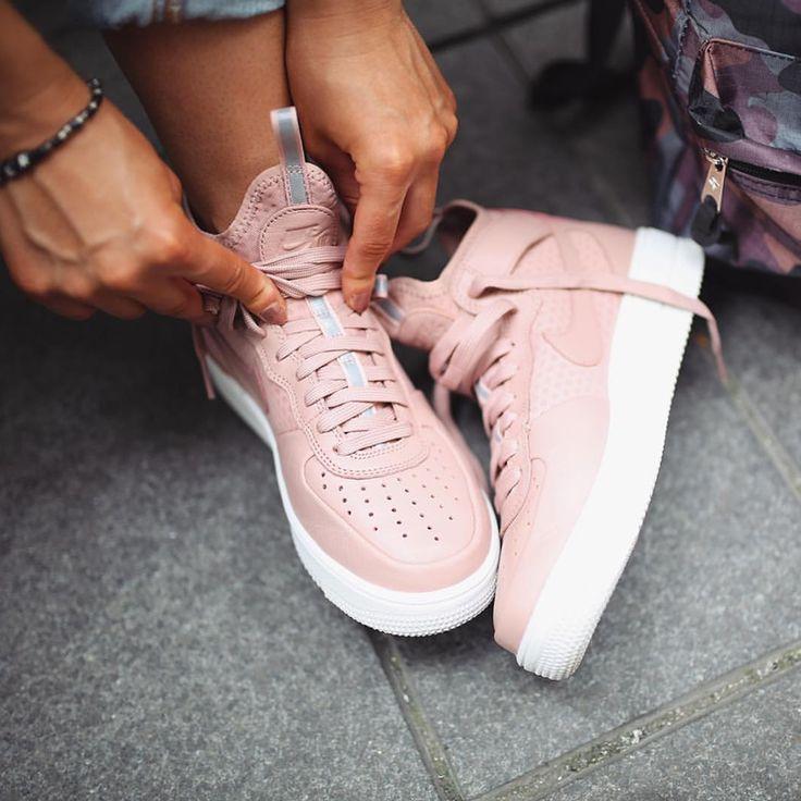Nike W Air Force 1 Ultraforce Mid rosa rose pink // Foto ...