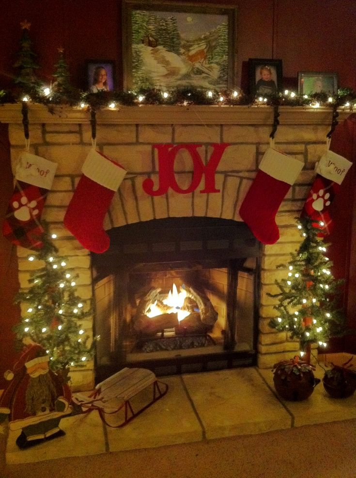 1000 Images About Christmas Mantels On Pinterest