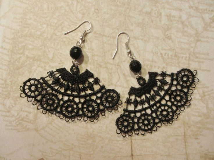 Earrings made of lace and pearls. Minka / www.madeby.fi