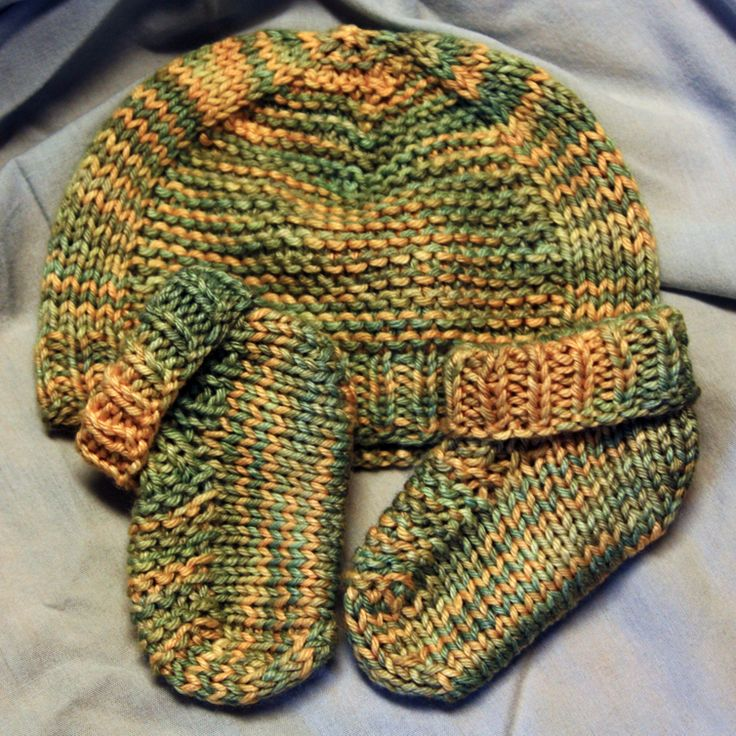 handmade by stefanie: FO Friday: Quick Baby Knits in Winter Silk