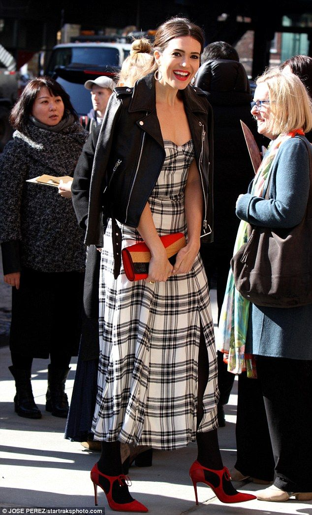 V-Day flair: The 32-year-old Golden Globe nominee - who relies on stylist Erica Cloud - ga...