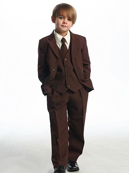 Was soll man zu diesem traumhaft schönen Kinderanzug noch sagen . . . Lieferbar in Größe 86 bis 188 und in 6 Farben ist der junge Mann in diesem Anzug der Hit auf jeder Hochzeit    http://www.julias-traumboutique.com/Carlos-5-teiliger-Anzug-Gr-86-bis-188