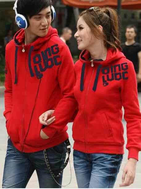 Couple qing red, hrg 115rb@sepsg, bhn babyterri, ld 100 pj 65, cwo 110 pj 70, ada kantong+hoodie, resleting hdp, fit L cwe+L bsr cwo