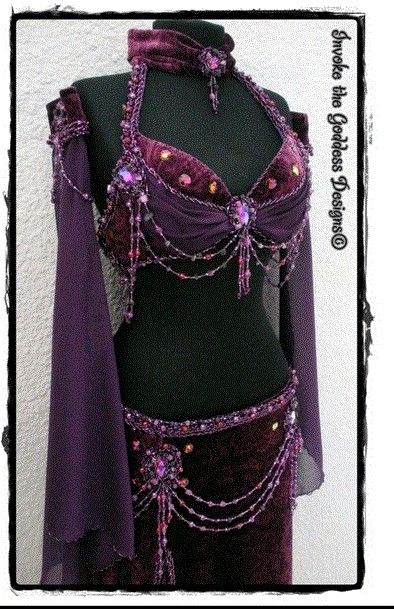 this reminds me of Scarlett O'Hara's dress that she wears to Melanie's party - only belly dance style :-)