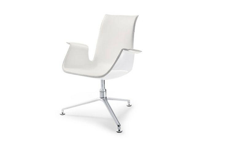 Walter Knoll FK. Een tijdloos design. FK is een moderne lounge stoel met een lage zithoogte. www.deprojectinrichter.com/walter-knoll/