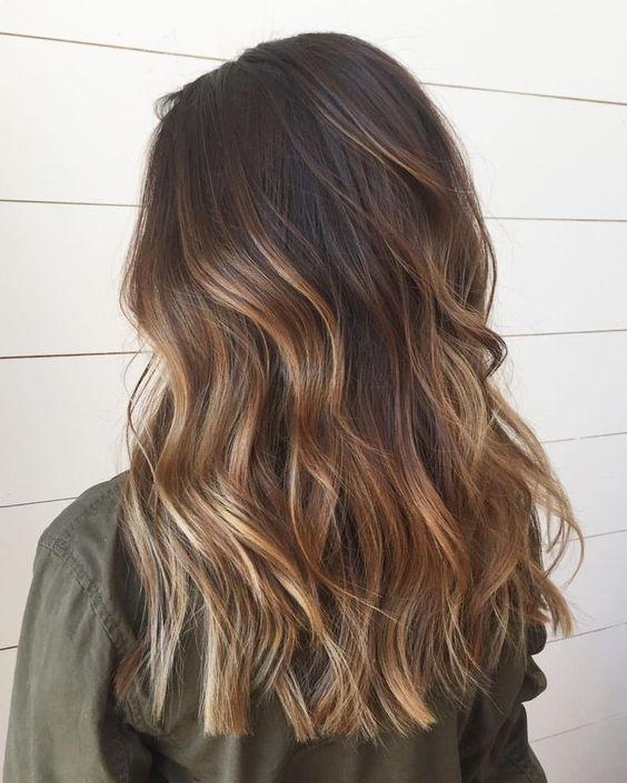 Cheveux balayage brun