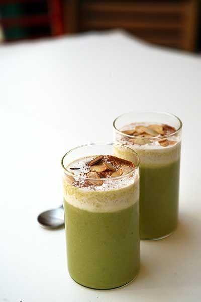 Cappuccino di asparagi con mandorle e cannella - Asparagus cappuccino with almonds and cinnamon
