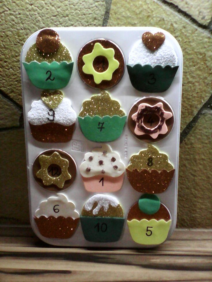 Adventi naptár muffin sütőből.