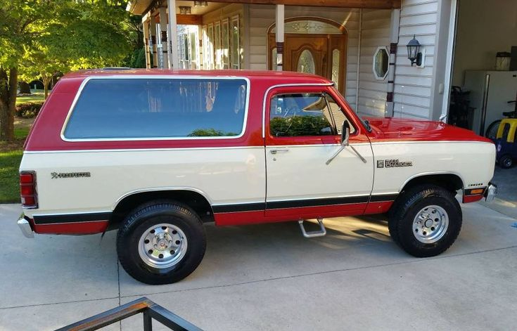'85 Dodge Ramcharger modified Royal SE Prospector III edition ... w/ four-barrel 360 V8.