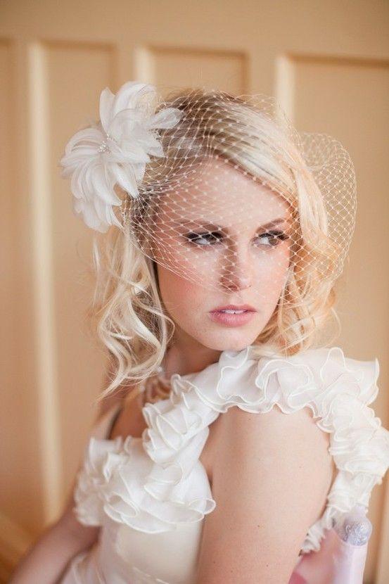 http://s6.weddbook.com/t4/8/0/5/805016/wedding-hair-and-veils.jpg