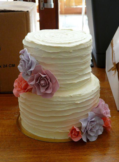 Rustic Wedding Cake www.sugardazecupcakes.com