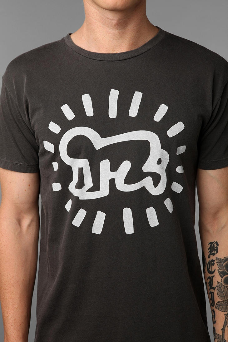 Why can't all the #UrbanOutfitters #KeithHaring  t-shirts just magically appear in my closet??