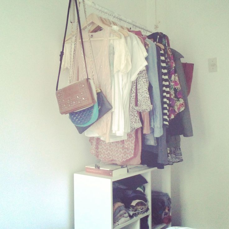 Small Bedroom - Opencloset - Clothing Rack