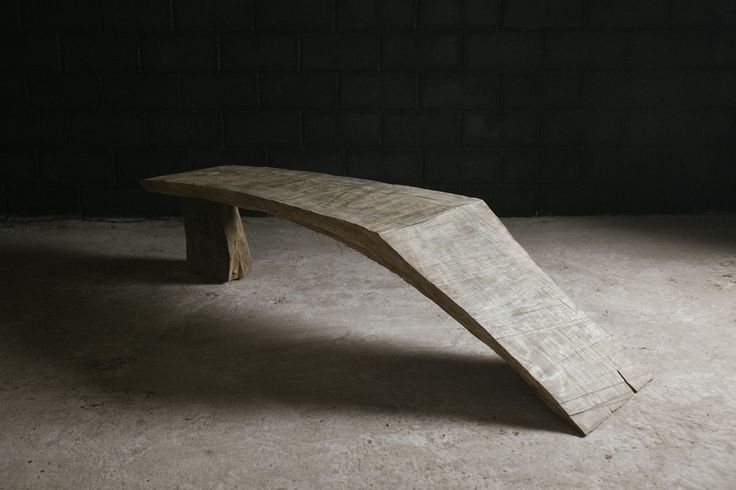BENCH #7 DENIS MILOVANOV 2012 - Solid oak wood sculpted with chain saw L.190 x D.52 x H.44 cm UNIQUE PIECE