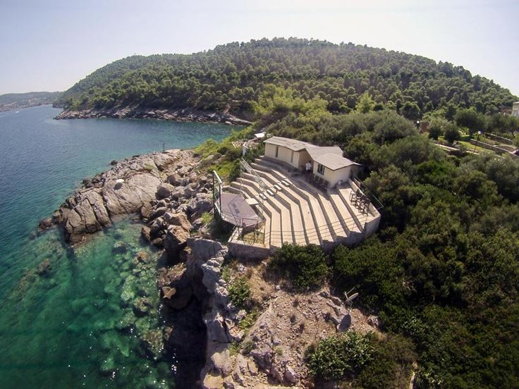 #theater… a feast in a free place Porto Valitsa #Halkidiki #Greece #Art #Culture #sea