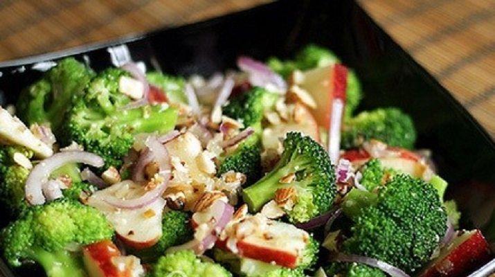Салат из капусты брокколи очень вкусный