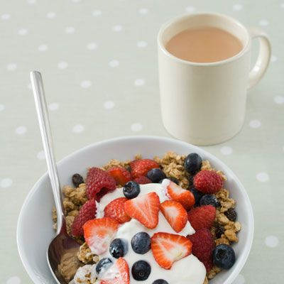 """""""Magical Breakfast Cream""""  eat five mornings in a row, plus fish, poultry, or eggs and tons of veggies for lunch and dinner. Not only will you feel better, but you will shed up to 3 to 5 pounds in a week, while giving your body necessary nutrients and boosting your energy level"""