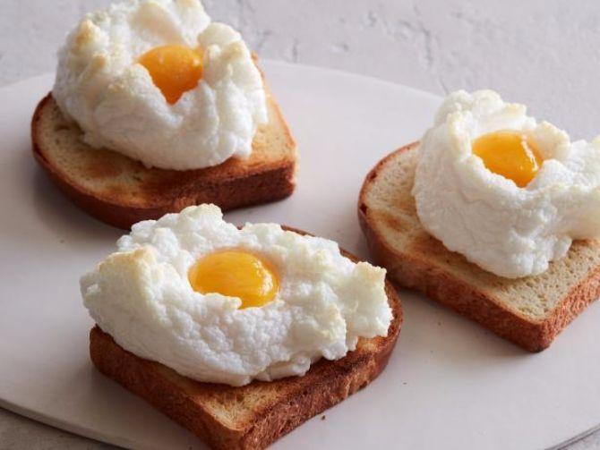 Zo heb jij je ei nog nooit klaargemaakt: deze wolkeneitjes maak je met maar 2 ingrediënten