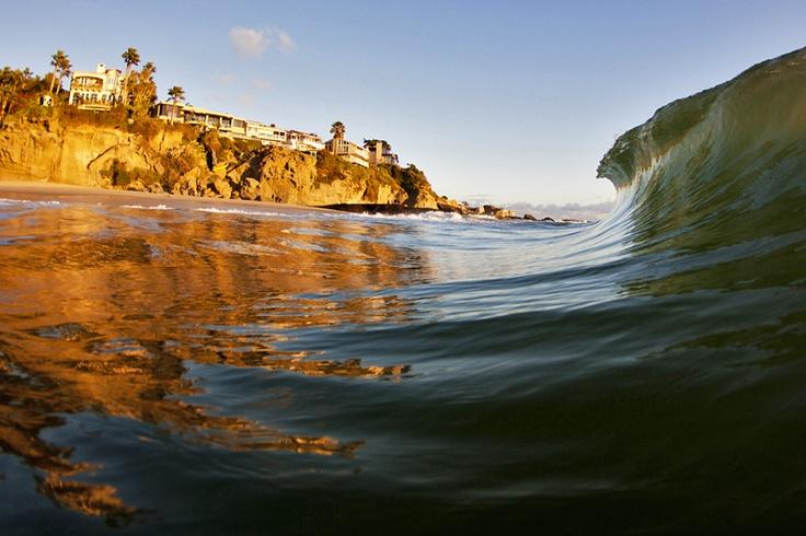 A perfectly empty peak prepares to throw in Laguna Beach. Photo: Kenworthy