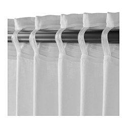 Las cortinas filtran la luz y proporcionan privacidad, porque evitan que se vea la estancia desde el exterior. El lino aporta al tejido una textura natural irregular y firmeza al tacto. Puedes colgar las cortinas de una barra o de un riel. Pon ganchos RIKTIG en la cinta de la parte superior para crear pliegues. Puedes colgar la cortina de una barra con trabillas ocultas o con argollas y ganchos.