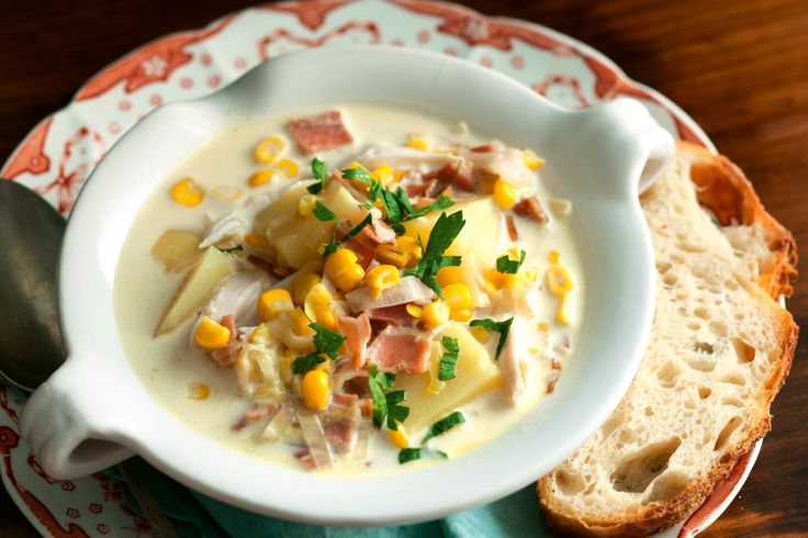 Thick+and+creamy,+this+hearty+chowder+is+packed+with+tasty+bits+to+munch+on.