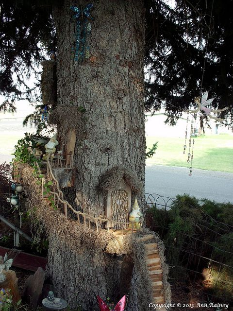 Gnome Garden: 185 Best Images About Fairy/Gnome Tree Stump Houses On
