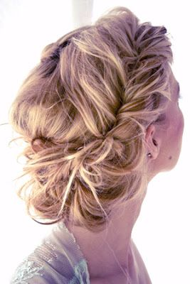 Magic Dresses: 4 Hottest Prom Hairstyles in 2013