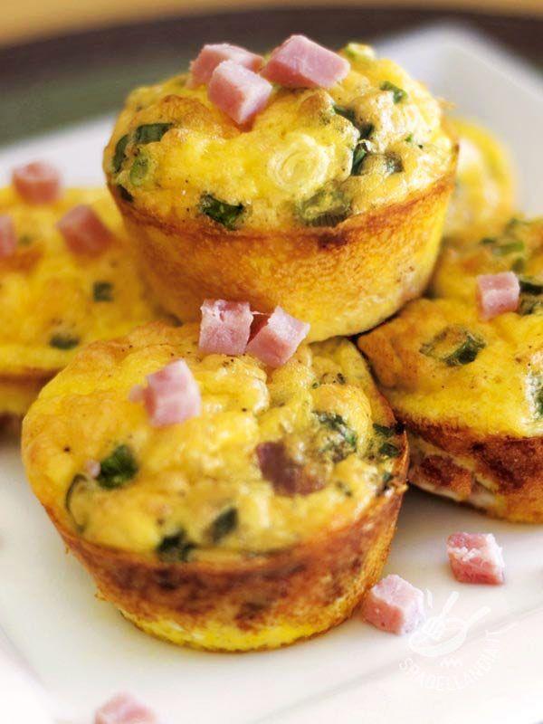 Muffins with leeks and ham - I Muffins ai porri e prosciutto sono sfiziosissimi e appetitosi. Serviteli a una festa di compleanno o a un brunch, e farete felici grandi e piccini!
