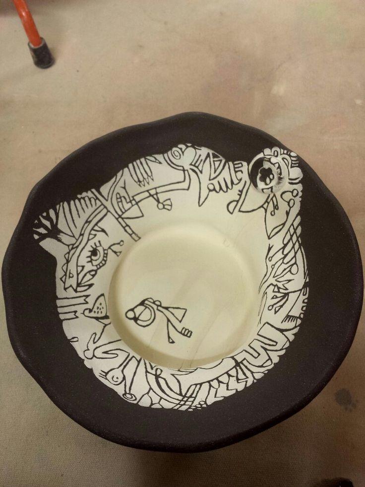 bowl: black clay with sgrafito white