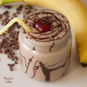 Milkshake raw cu unt de arahide si ciocolata - Madeline's Cuisine