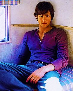 Jared Padalecki. This man. He doesn't get NEARLY as much credit as Jensen Ackles for being hot and he's SOOOO much hotter.