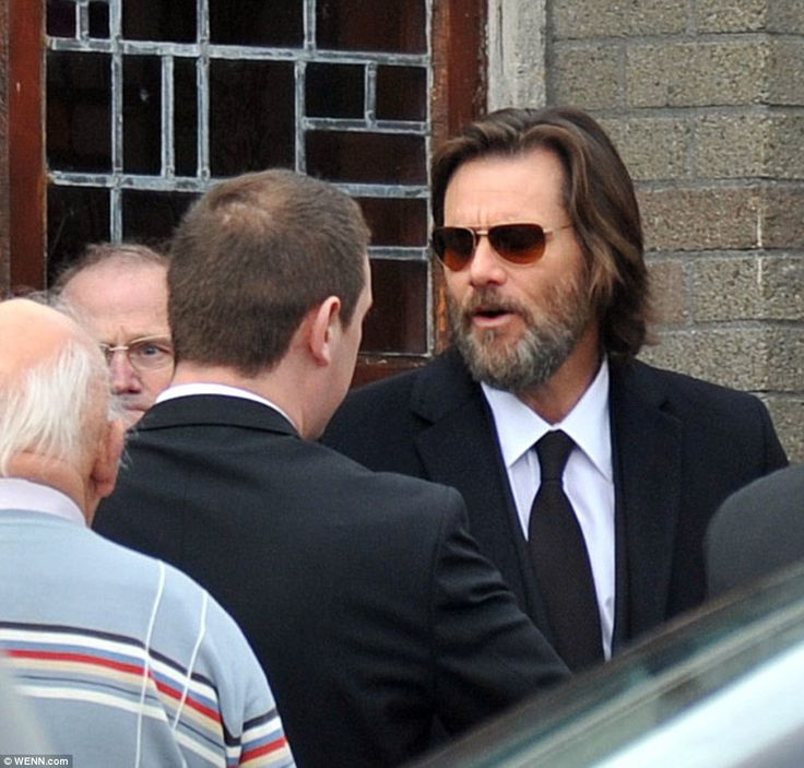 Jim Carrey arrives at ex-girlfriend Cathriona White's funeral