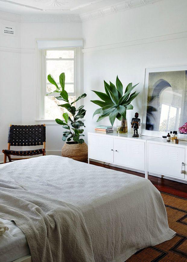 kast-tegenover-bed
