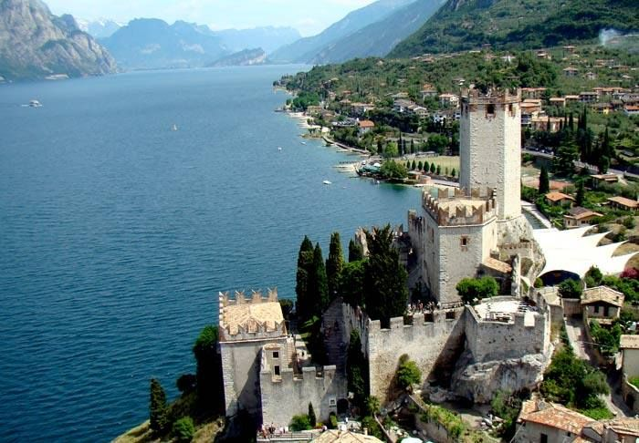 #places #surroundings  For art and history lovers, Lake Garda offers an attractive leap into the past: medieval villages clustered between walls and towers, and Veronese and Venetian castles recall memorable battles and great leaders.