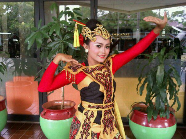 Jaipong Dance - West Java Province #Traditional #Dance #Indonesia