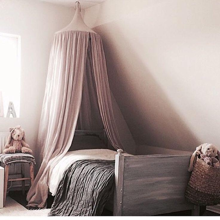 Min Alices rum #alice #barnrum #numero74 #sänghimmel #rosa #barnrum #kidsroom…