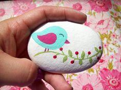 Items similar to Pintado pájaro en el árbol de piedra a mano on Etsy