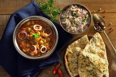 Essa receita é uma sugestão do chefRavi Shinde do restauranteSwadisht Cozinha Indiana  PUNJABI CHOLE    Ingredientes:  Grão de bico Cru - 150