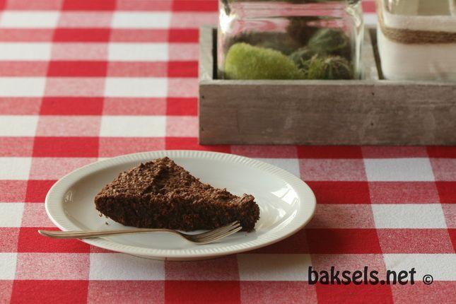 baksels.net |'glutenvrij'  een beetje arretjescake met amandelmeel en gebakken in de oven