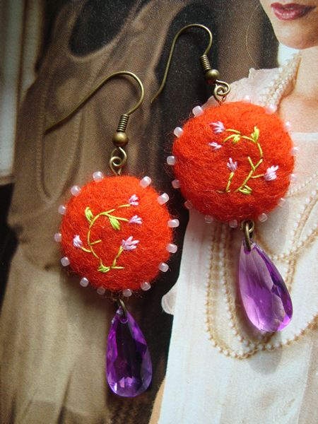 Felt earrings Miss Tupsey by filzgood