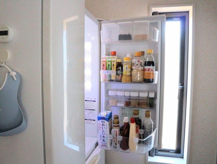 セリア 冷蔵庫の ドアポケット用仕切り があの場所でも大活躍 100均 収納 キャンドゥ おすすめ 収納