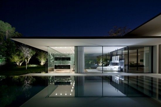 Casa moderna de cristal