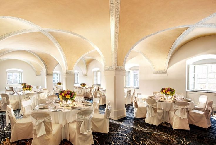We can't take our eyes off our Vltava ballroom photo - especially the hand painted ceiling is an exquisite art work!